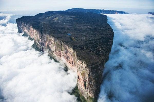 จัด 10 อันดับสถานที่ ที่มีความลึกลับที่สุดของโลก 10