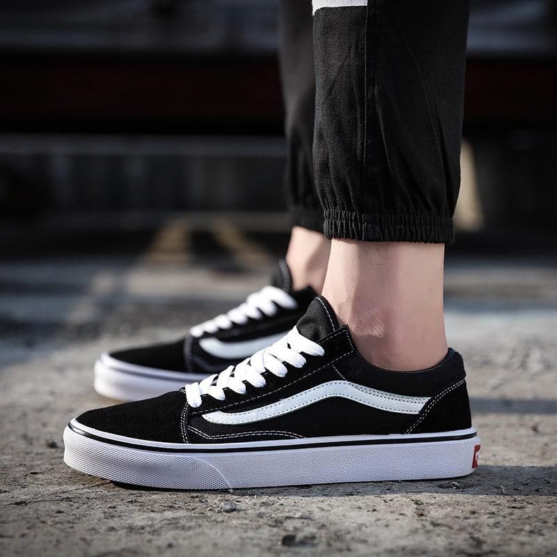 รองเท้าผ้าใบ แบรนด์ Vane