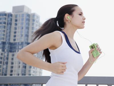 ฟังเพลงและวิ่ง