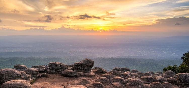 เที่ยวอุทยานแห่งชาติภูหินร่องกล้าหน้าฝน