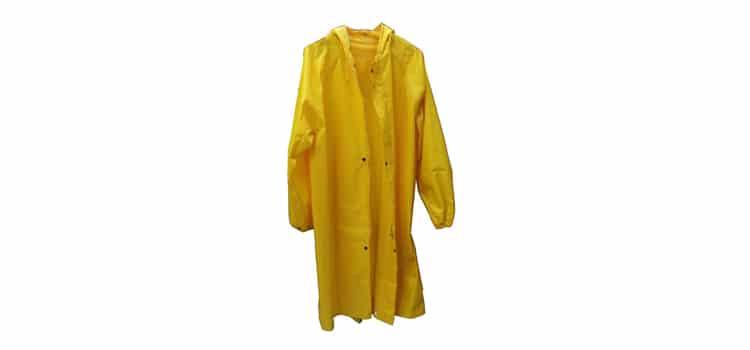 เสื้อกันฝนอุปกรณ์ที่ต้องมีในหน้าฝน