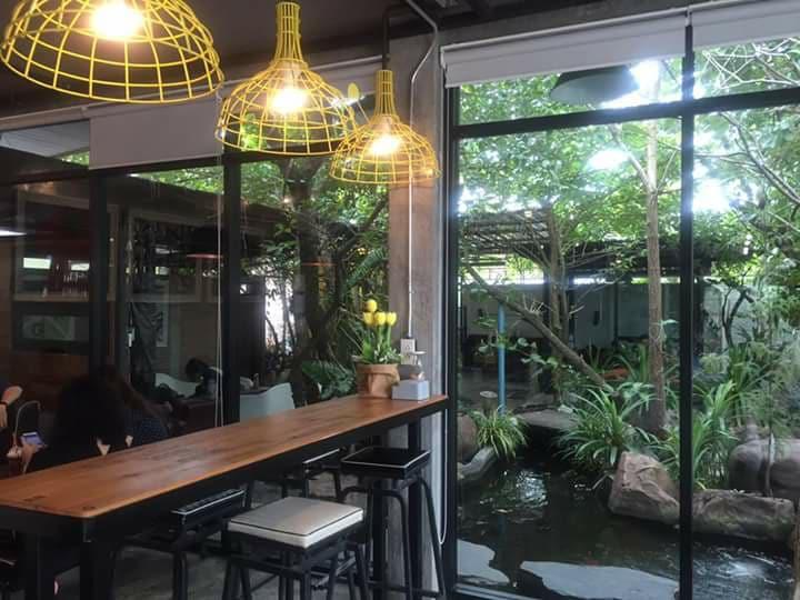 Meng Bekery & Coffee