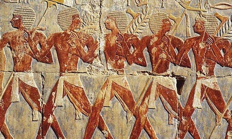 ชาวอียิปต์โบราณเชื่อว่า ผู้ชายมีประจำเดือน