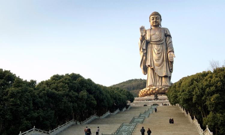 พระใหญ่หลิงซานต้าฝ๋อ วัดหลิงซาน ประเทศจีน