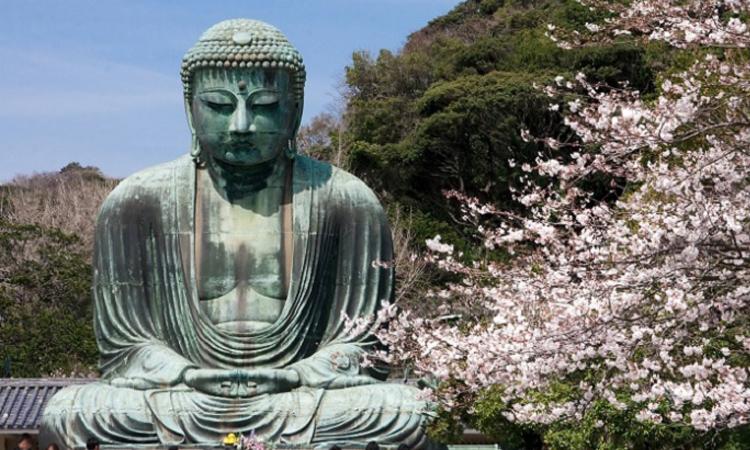 ไดบุสสึ พระใหญ่แห่งเมืองคามาคูระ ประเทศญี่ปุ่น
