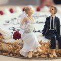 10 ไอเดียแต่ง ชุดไปงานแต่ง ชุดสูท ชุดเดรสไปงานแต่ง ที่ทันสมัย ปี 2021 2