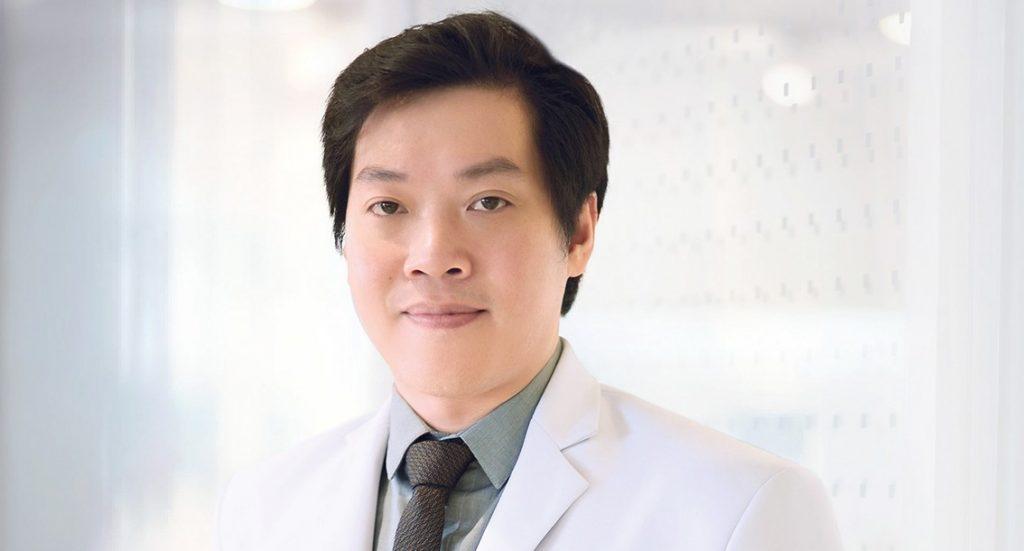 10 อันดับศัลยแพทย์เสริมหน้าอกสวยที่สุด 2021 27